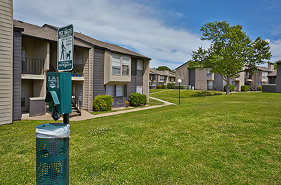 We Have An Impressive Array Of One, Two, And Three Bedroom Apartments In  Dallas, TX. Every Apartment Home Comes With Large Picturesque Windows, ...